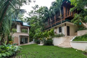 Casa Vidrio – K Section Family Compound
