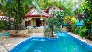 Shangri La- Beautiful Home in the Heart of Guiones Beach