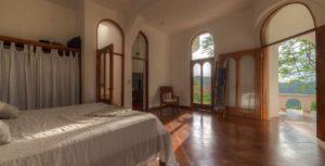 Guest Bedroom-02