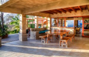 Main House Outdoor Dining Area-04