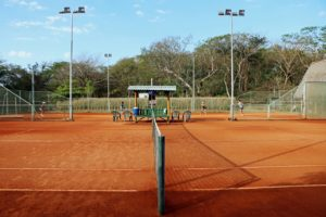 remax_Clay courts with doubles players_Karin Chykaliuk