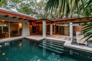 Casa Chic – A Modern Junglelife House in the Middle of North Guiones – OFF THE MARKET