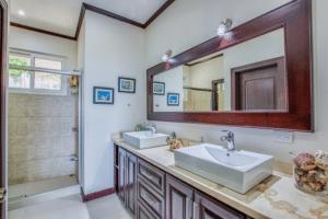 Guest Bath 1 #1
