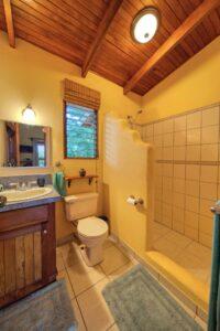 outputMain House guest bathroom_2500 pixels